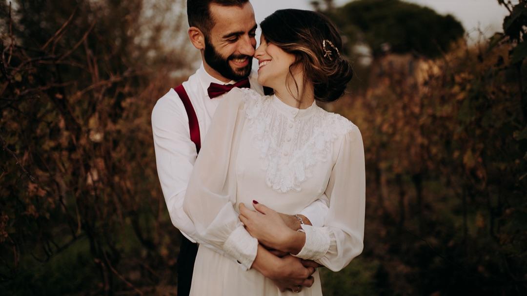 Matrimonio intimo e romantico tra le vigne